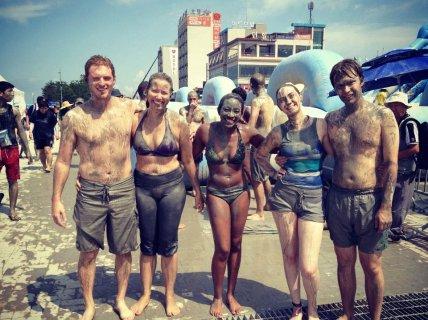 mudfest_friends