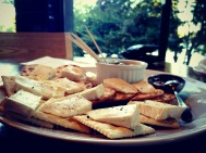 Paradiso Perduto's brie and crackers