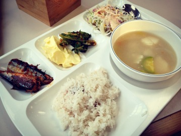 Typical dinner for the week: fish, rice, side dish, and soup.