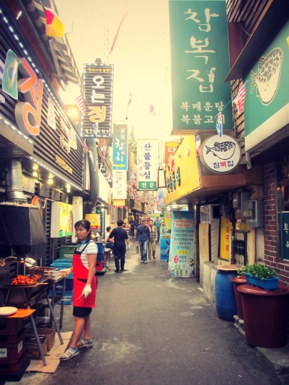 The sides streets of the Cheonggyecheon.