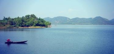 Lake in Phuong Lam