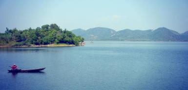 Lake in Phuong Lam