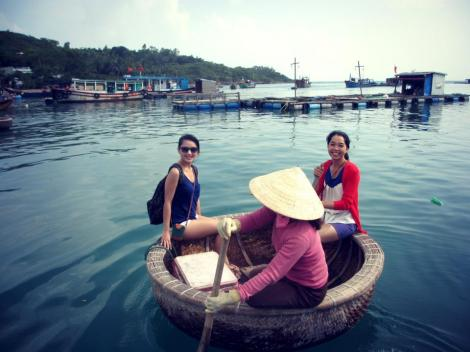 Riding a round boat in Nha Trang