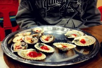 Clams and scallops with chili sauce