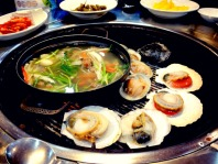 Soup and shellfish on the fire