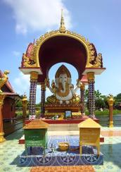 Wat Plai Laem (4)